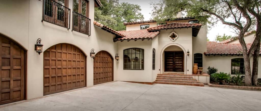 Large Home With Multiple Garage Doors